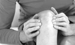 К чему чешется правое колено